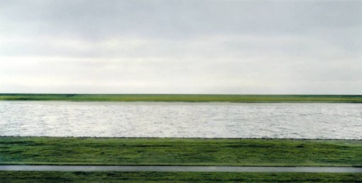 Andreas Gursky Rhein II (1999)