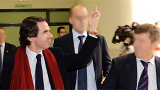 Aznar-peineta-oviedo