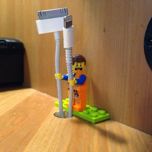 LEGO-Minifig-As-Cable-Holder