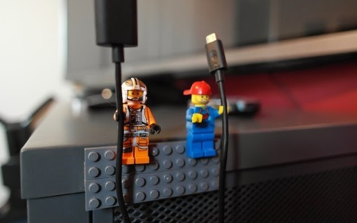 LEGO-Minifig-Cable-Holder-Gadget