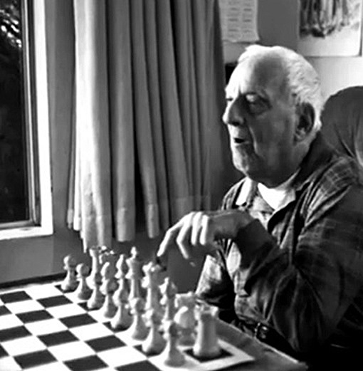 paul-smith-paralisis-cerebral-artista-maquina-escribir-ajedrez
