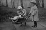 Fotografías de niños jugando a lo mismo en el S.XIX y ahora ceslava 12
