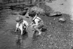Fotografías de niños jugando a lo mismo en el S.XIX y ahora ceslava 15