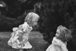 Fotografías de niños jugando a lo mismo en el S.XIX y ahora ceslava 27