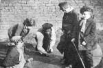 Fotografías de niños jugando a lo mismo en el S.XIX y ahora ceslava 33
