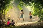 Fotografías de niños jugando a lo mismo en el S.XIX y ahora ceslava 70