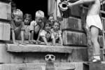 Fotografías de niños jugando a lo mismo en el S.XIX y ahora ceslava 43