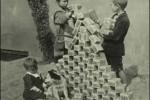 Fotografías de niños jugando a lo mismo en el S.XIX y ahora ceslava 50