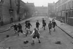 Fotografías de niños jugando a lo mismo en el S.XIX y ahora ceslava 54