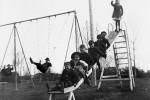 Fotografías de niños jugando a lo mismo en el S.XIX y ahora ceslava 58