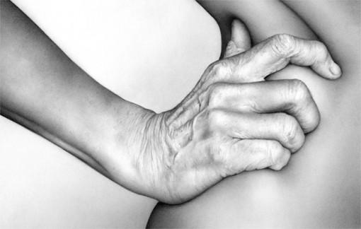 Cath Riley dibujos cuerpo humano hiperrealistas (5)