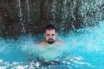 El «Rodríguez» que gana 2 viajes por fotografiarse extrañando a su familia ceslava 18