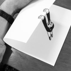Titula esta ilustración anamórfica de HuskMitNavn – 54